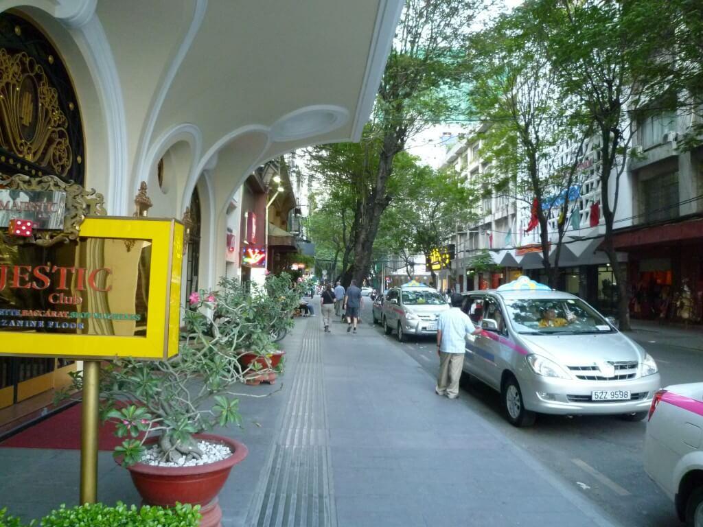 ベトナムのホーチミンの風俗は何がある?バイクタクシーの美人局には注意せよ!