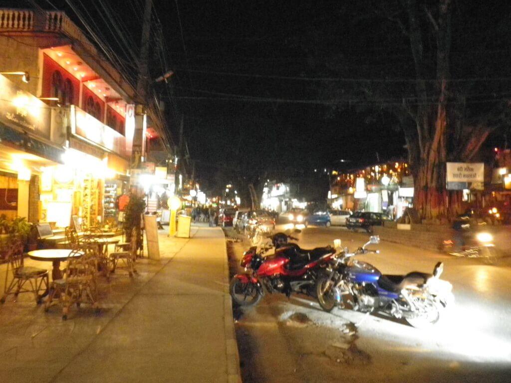 ネパールの風俗夜遊び!ポカラの置屋はデッドorアライブだがワンコインで若いネパール尾根遺産を抱ける!そのシステムと料金・場所は?