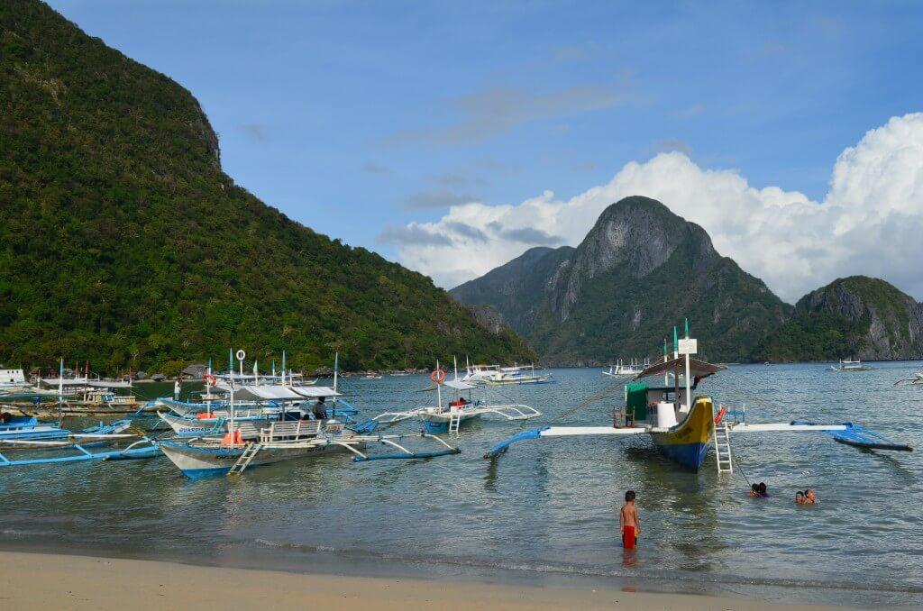 フィリピンの最後の秘境パラワン島のエルニドの風俗や夜遊びで置屋