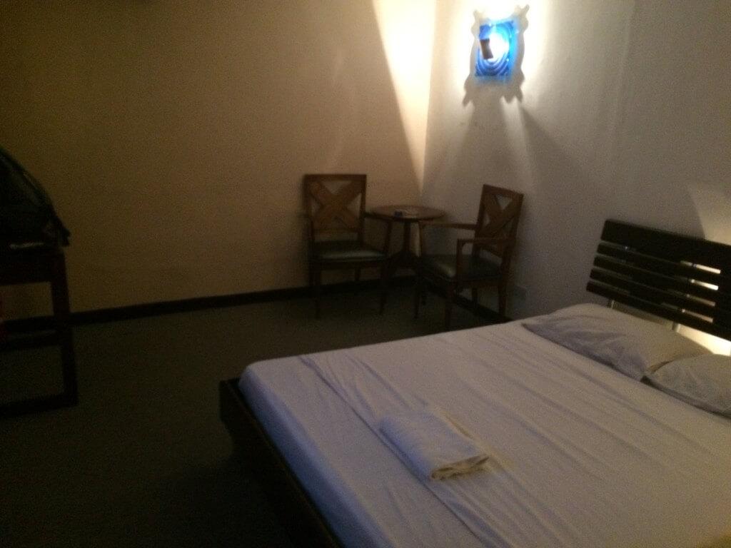 マニラのパサイにあるマッサージパーラー(MP)のユースタシア イン(Eustasia Inn)はチップをはずめばヤリ放題だ!