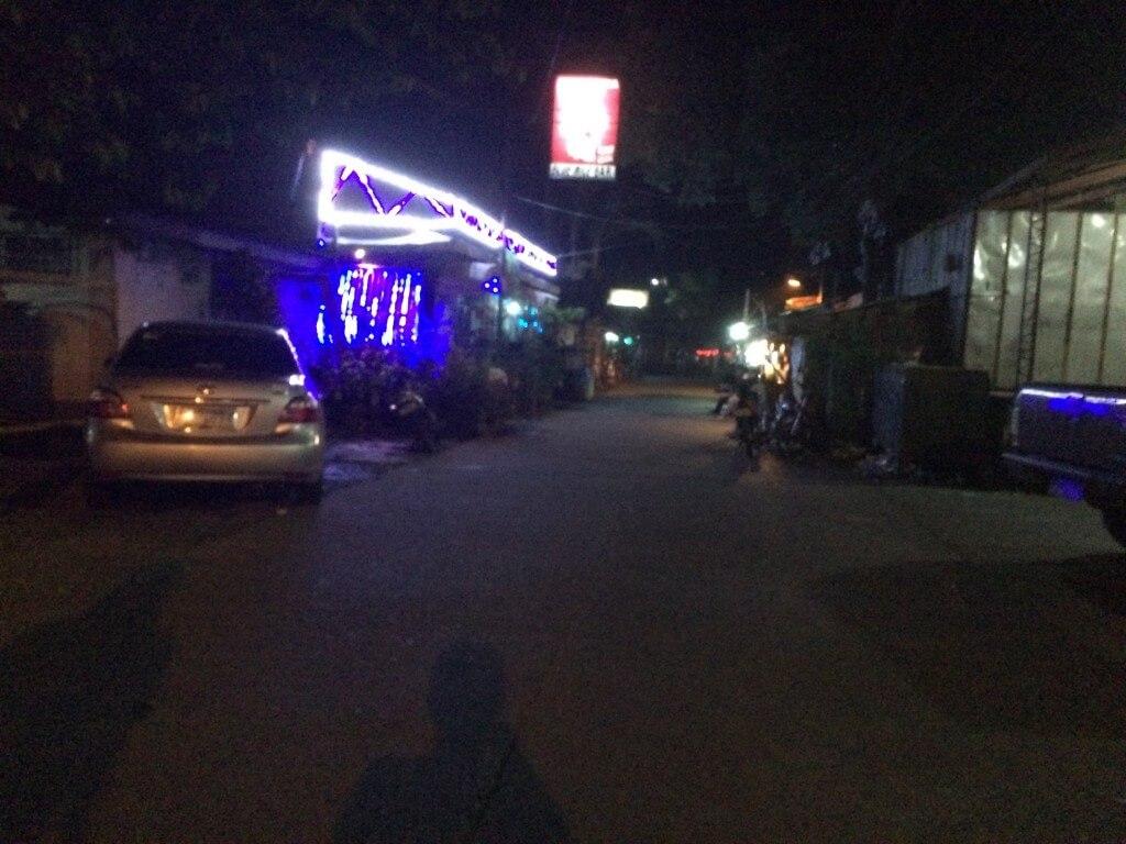 バコロドの風俗でヌエバストリート(Nueva St)沿いのバー